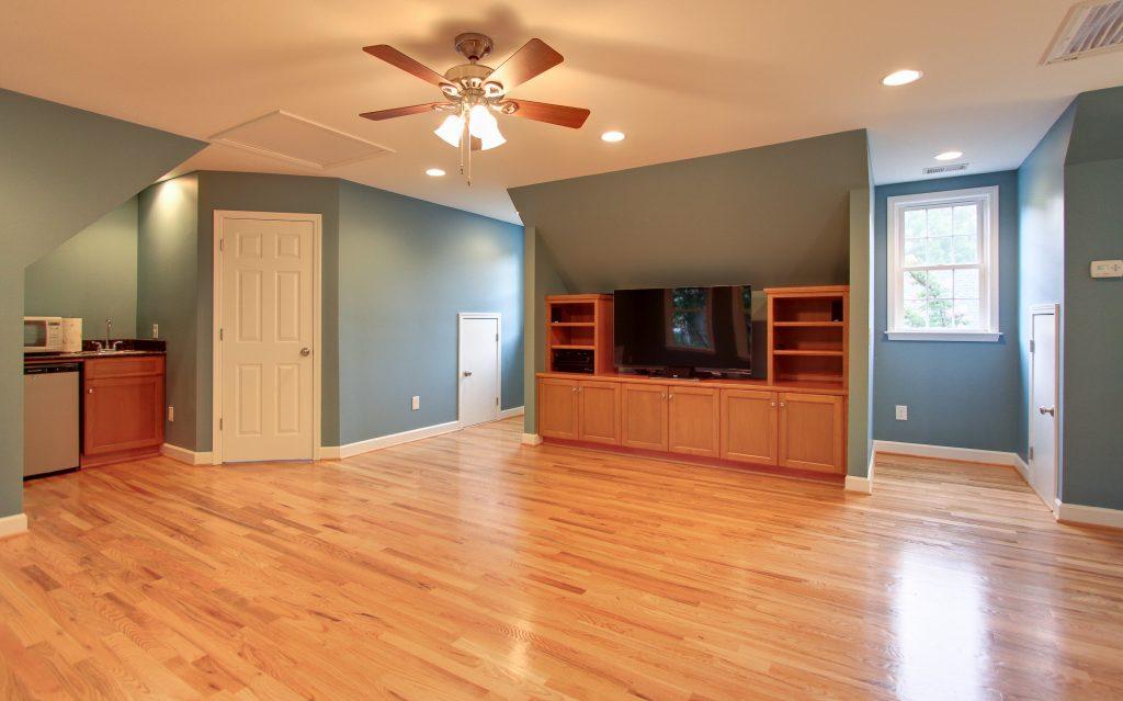 Charlotte Beverly Woods Garage rec room