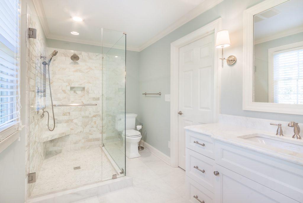 Mecklenburg Charlotte Montibello white hall bath